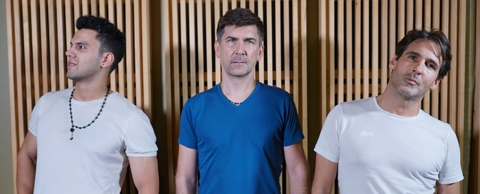 Photo of the three members of Siamese Katz